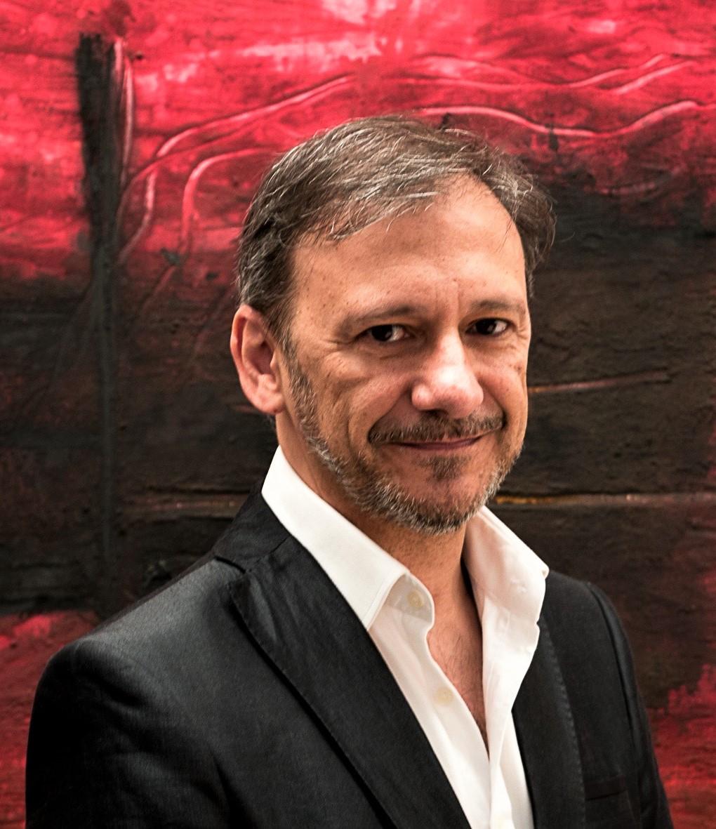 Jorge de Juan actor con amplia filmografía, es también dramaturgo y director del Teatro Cervantes de Londres