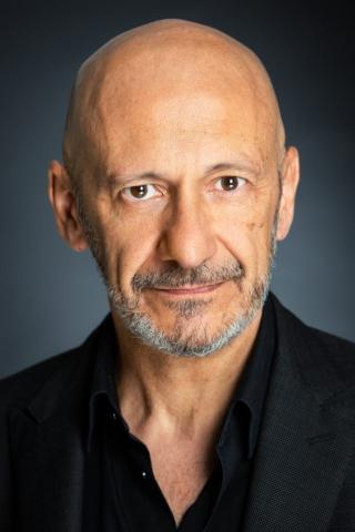 Actor español con larga trayectoria en cine y televisión. Residente en Londres y Madrid