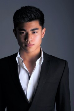 Actor MARC MENDOZA