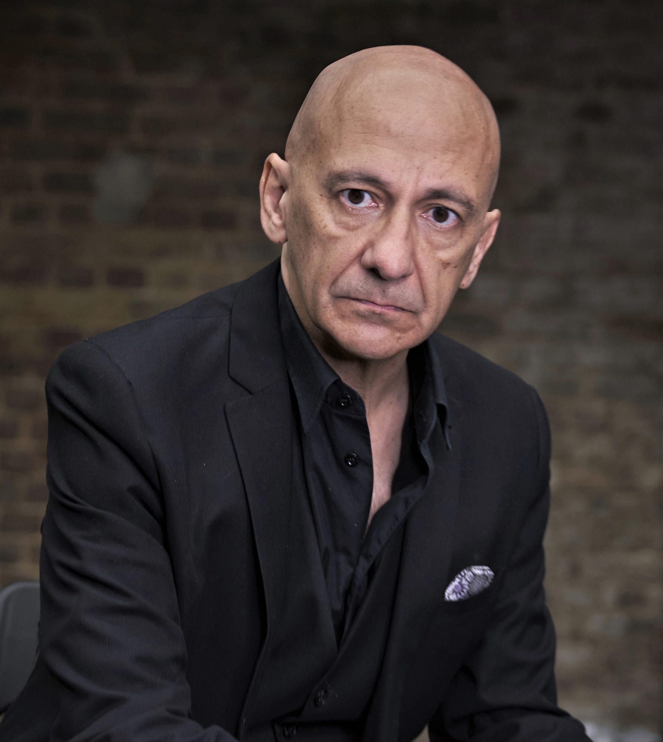 Jorge de Juan es un actor español, residente en Londres con larga filmografía como actor. Es también dramaturgo y productor.